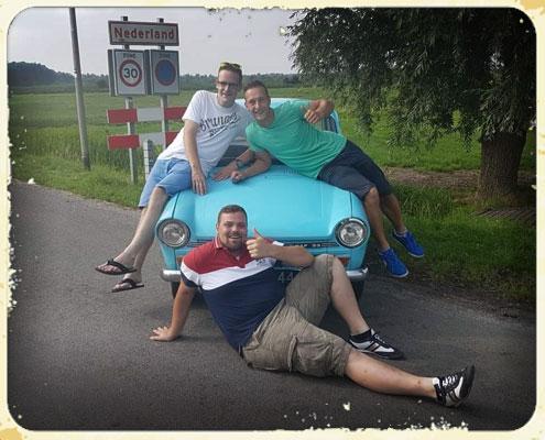 Op de foto met een daf 33 van Dafjerijden.nl